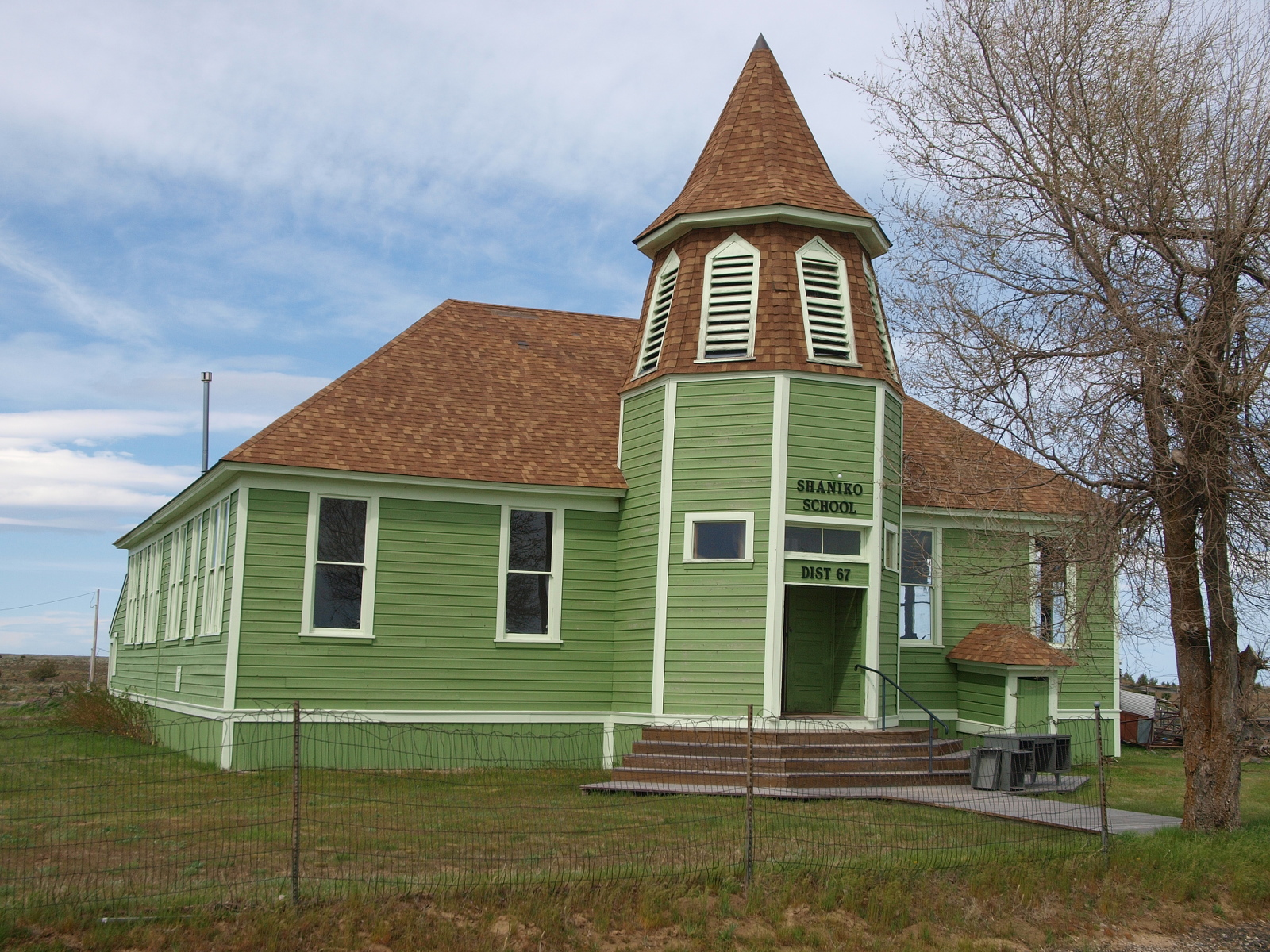 The Shaniko School House
